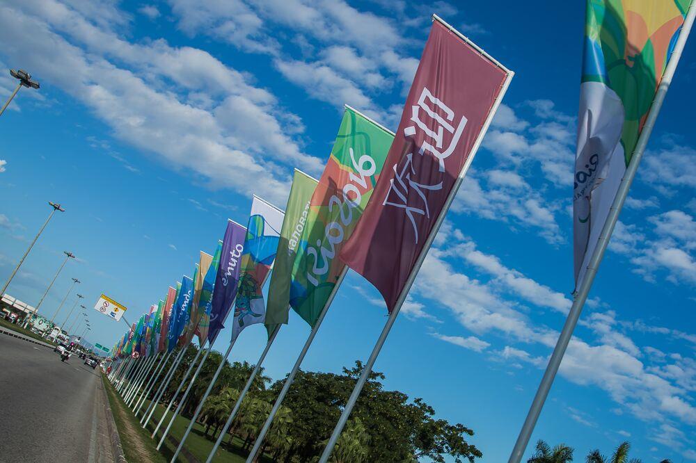Cores olímpicas ganham as ruas do Rio