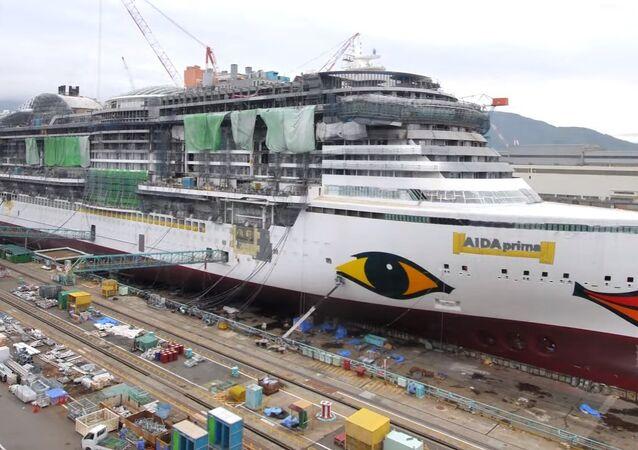 Construção completa de um navio de cruzeiro