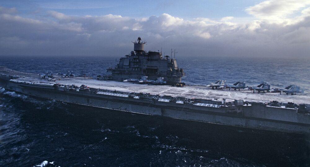Porta-aviões russo Almirante Kuznetsov