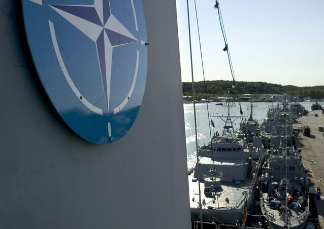 Navios em Turku, Finlândia durante exercícios militares