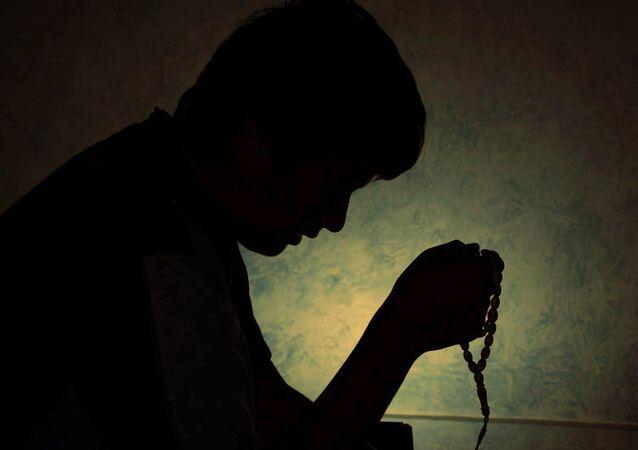 Muçulmano reza