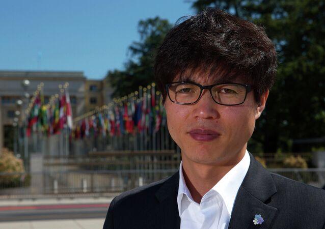 Shin Dong-hyuk, o único homem que conseguiu escapar de um campo de internação norte-coreano