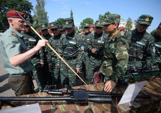 """Inauguração dos exercícios táticos conjuntos das forças especiais da Guarda Nacional russa e da Polícia Armada do Povo chinesa (PAP) """"Cooperação-2016"""""""
