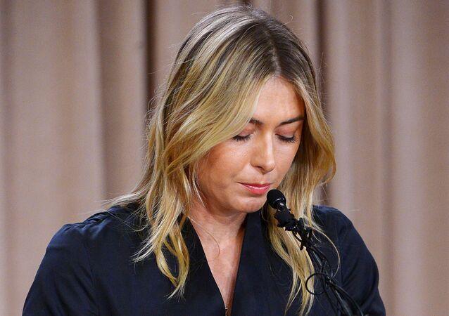Maria Sharapova fala com a imprensa sobre doping em Los Angeles