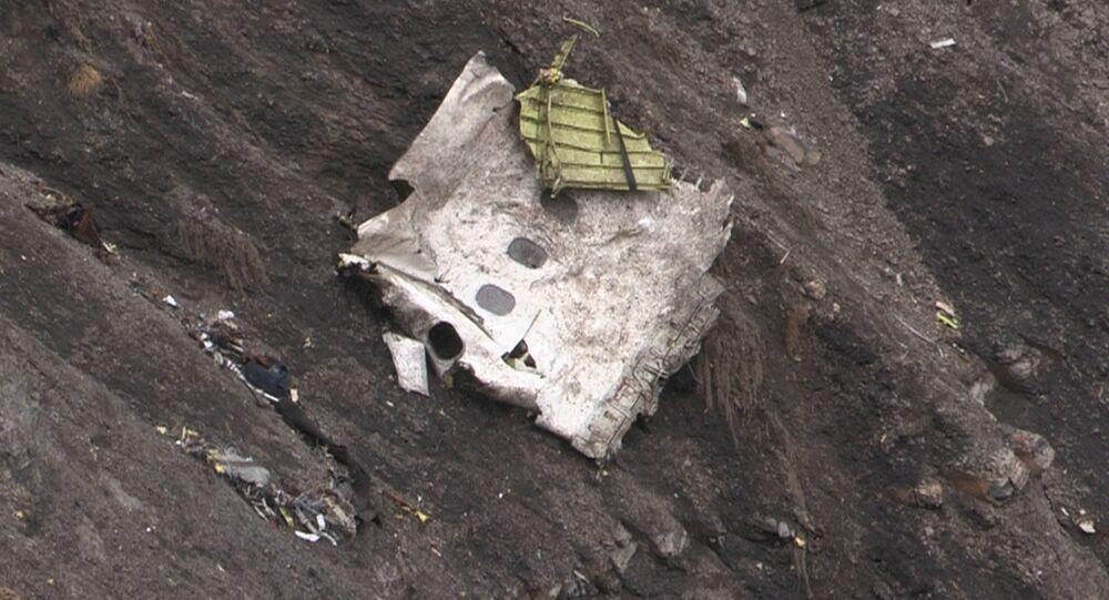 Destroços do avição da Germanwings no local do acidente