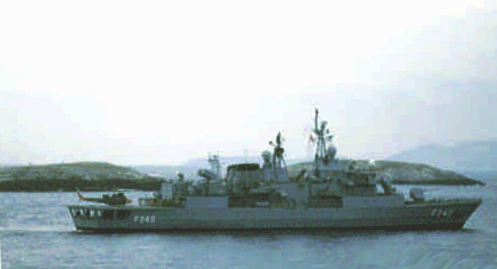 A fragata turca Yavuz no Mar Egeu oriental