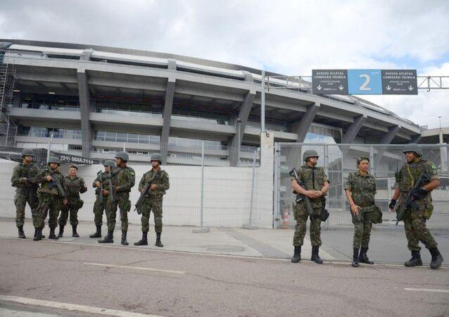 Forças Armadas no Rio realizam treinamento no Maracanã (17) para coibir possíveis ameaças terroristas