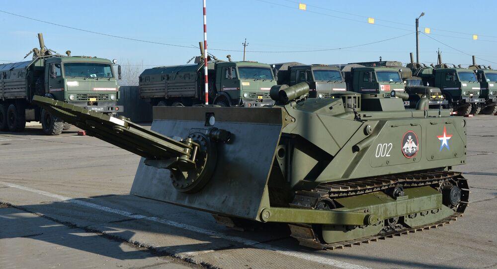 Robô de desminagem russo