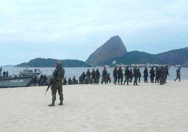 Fuzileiros Navais realizaram treinamento para os Jogos Olímpicos na Praia do Flamengo
