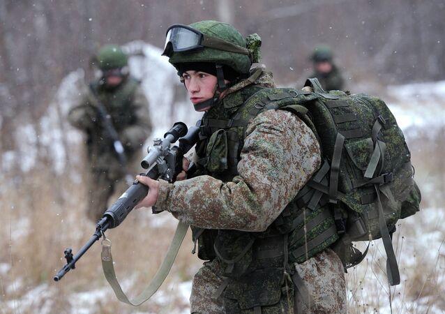 Soldado russo equipado com Ratnik