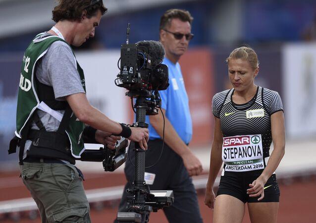 Yulia Stepanova durante o Campeonato Europeu de Atletismo de 2016, em Amsterdã, em 6 de julho