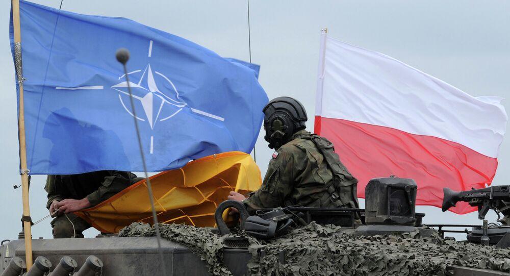 Soldado polonês durante os exercícios da OTAN na Polônia, 2016