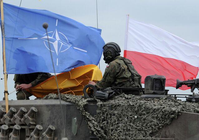 Soldado polonês durante os exercícios da OTAN na Polônia