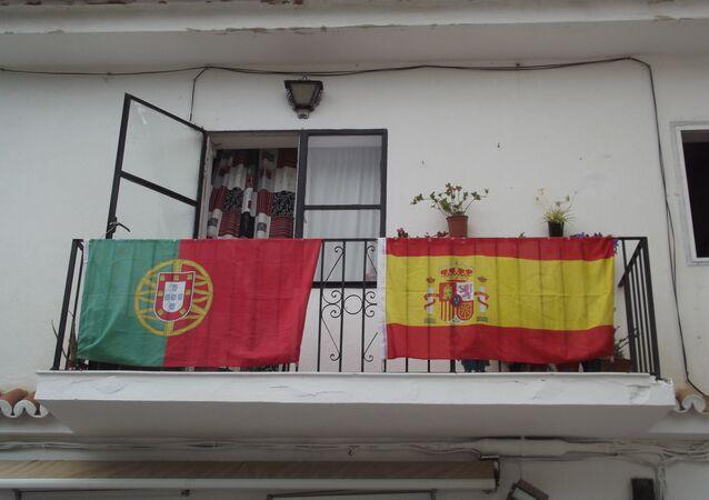 Bandeiras de Portugal e Espanha