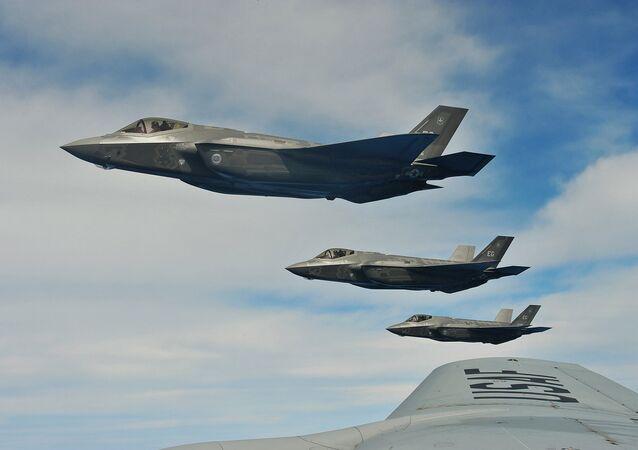 Caças americanos F-35