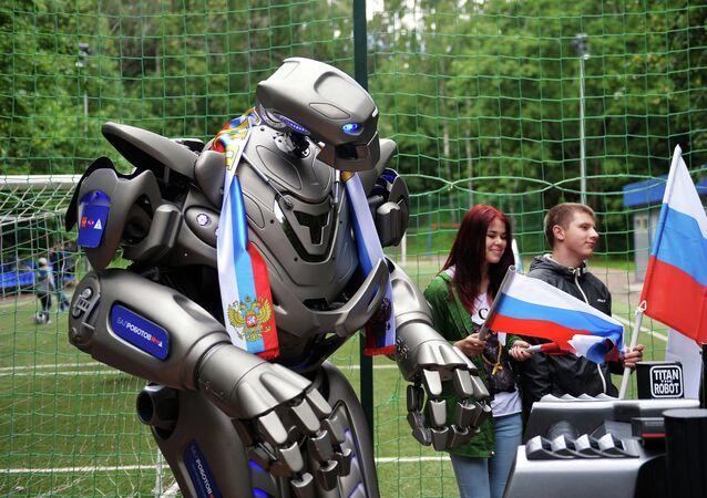 Robô Titan apoia a seleção russa de futebol