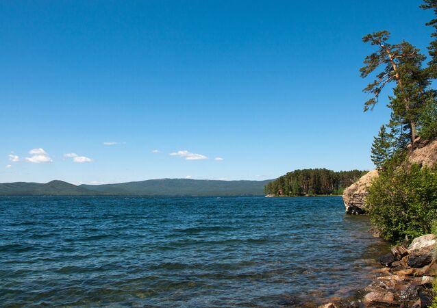 O lago Turgoyak da região russa de Chelyabinsk