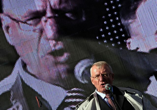 Vojislav Seselj, líder ultranacionalista sérvio.