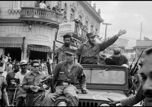 Fidel Castro na cidade de Santa Clara, em Cuba, 1959