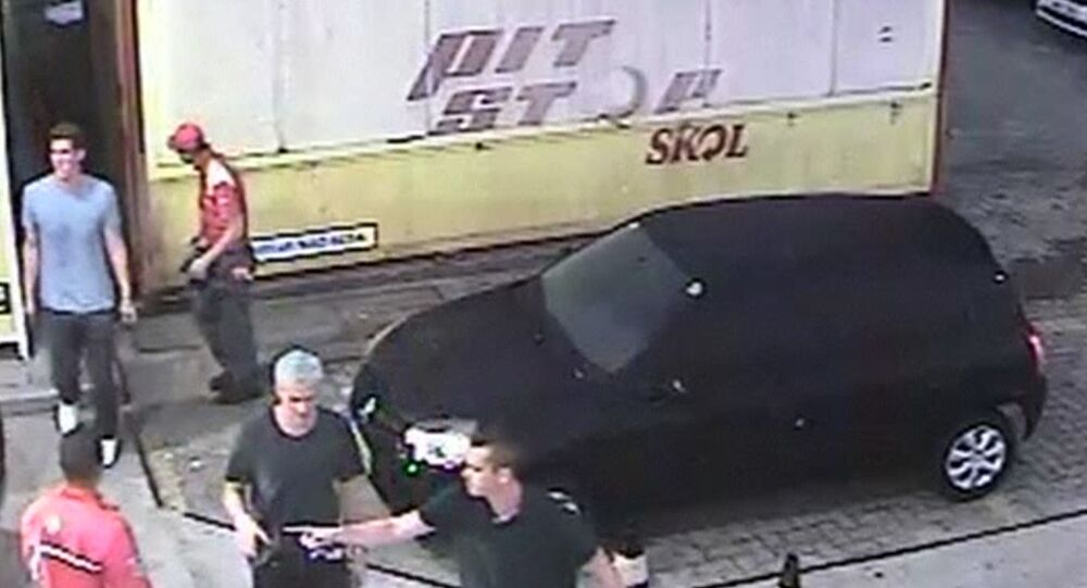 Imagem de uma câmera de vigilância instalada perto do posto de gasolina onde teria lugar o caso no dia 14 de agosto de 2016