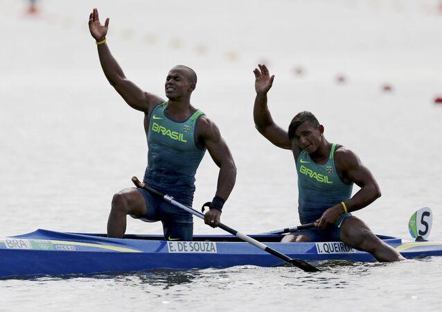 Erlon de Souza e Isaquias Queiroz medalha de prata na canoagem