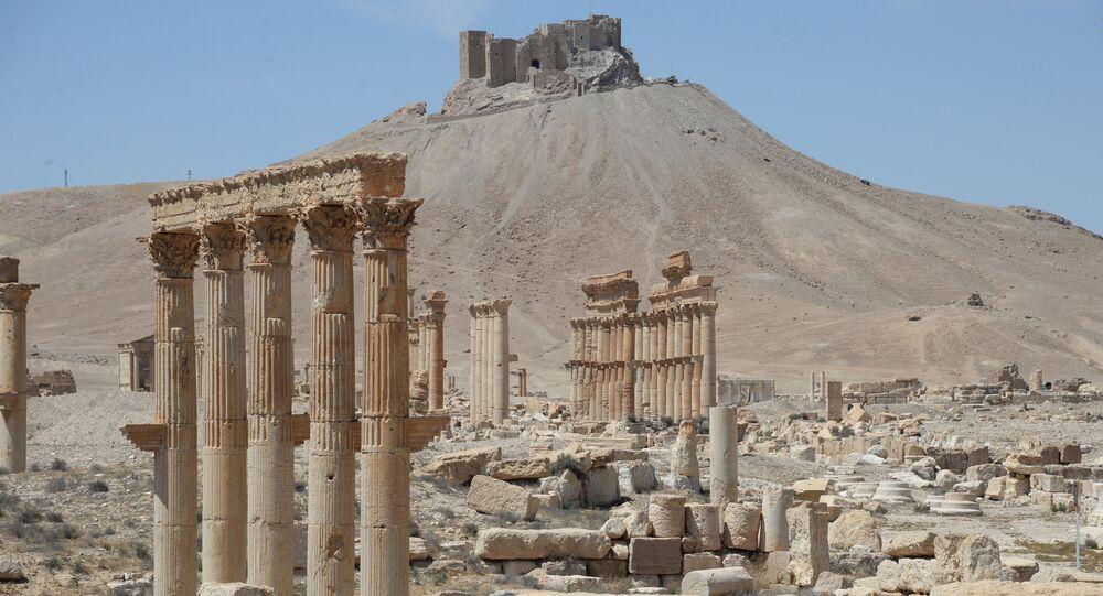 Vista pela parte histórica de Palmira, Síria (foto de arquivo)
