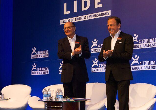 João Dória Jr., candidato do PSDB à Prefeitura Municipal de São Paulo (direita) ao lado do governador Geraldo Alckmin