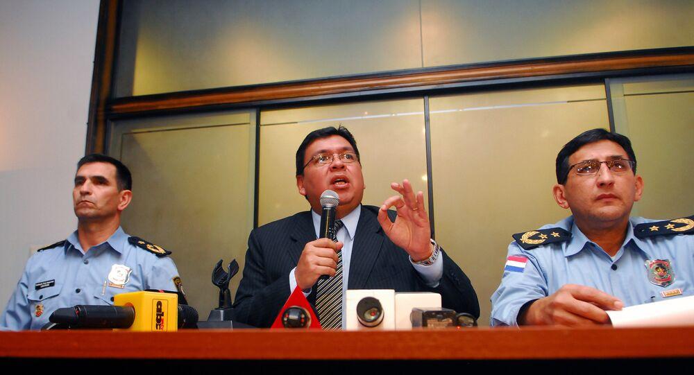 Ministro do Interior do Paraguai, Francisco de Vargas (centro)