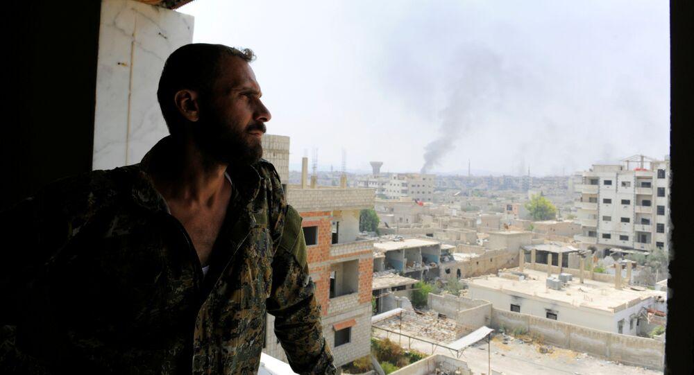 Soldado do Exército sírio em Daraya