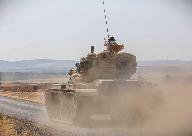 Tanque do exército turco em operação (arquivo)