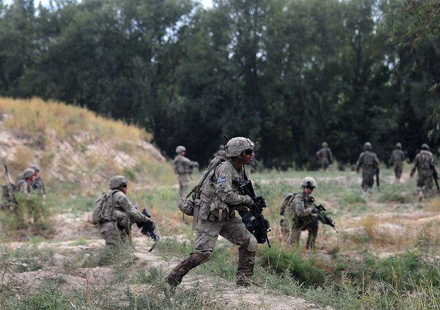 Soldados da 173ª brigada de paraquedistas dos EUA no Afeganistão (foto de arquivo)