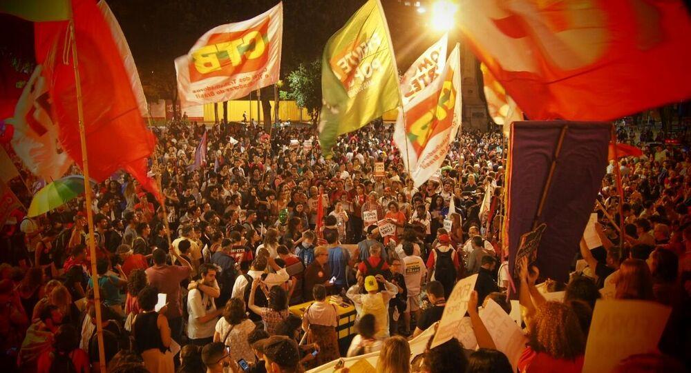 Protesto em solidariedade à ex-presidenta Dilma Rousseff e contra o presidente Michel Temer, em 31 de agosto