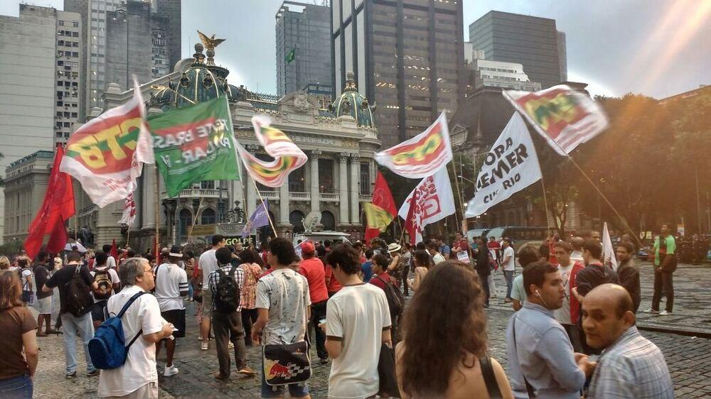 Protesto em solidariedade à ex-presidenta Dilma Rousseff e contra o presidente Michel Temer