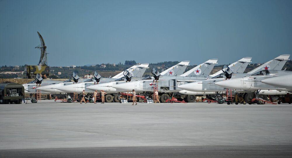 Aviação militar russa na base aérea de Hmeymim, Síria (foto de arquivo)