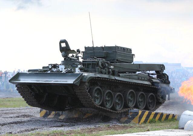 Veículo blindado de recuperação BREM-1
