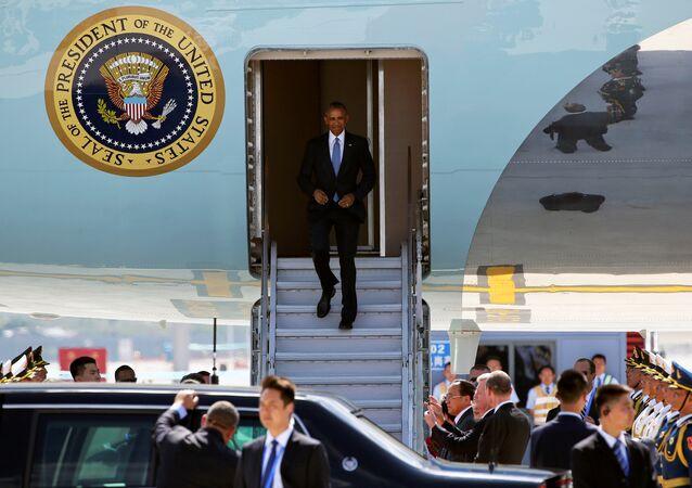 Presidente dos EUA Barack Obama chega ao Aeroporto Internacional de Hangzhou, na China
