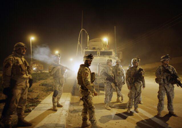 Soldados norte-americanos em Mossul, Iraque