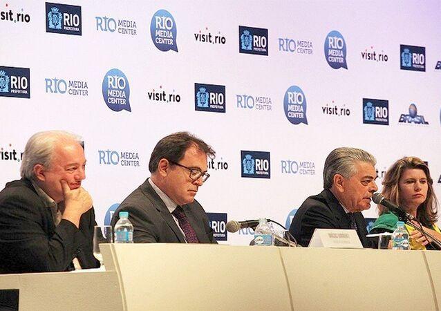 Ministro do Turismo, Alberto Alves, participa da coletiva