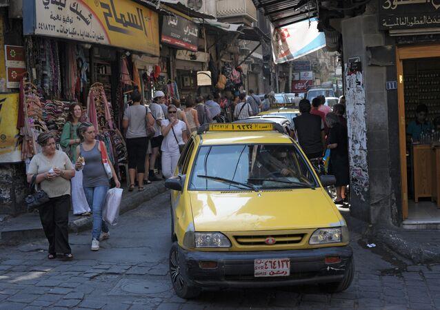 Táxi nas ruas de Damasco, Síria (foto de arquivo)