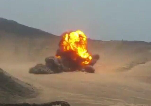 Sauditas detonam centenas de minas