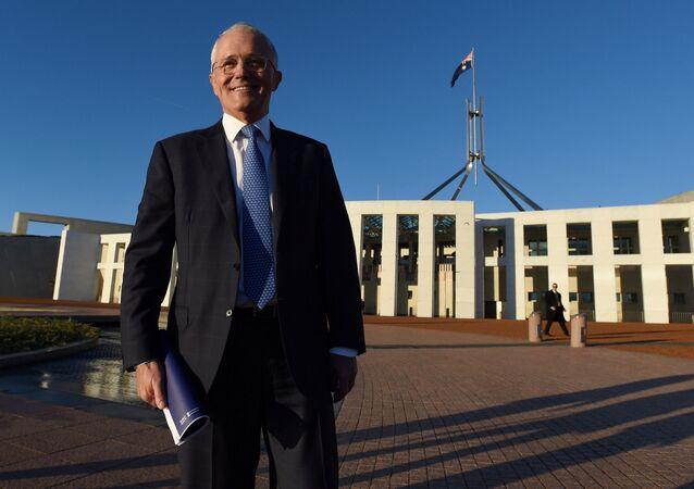 Primeiro-ministro australiano Malcolm Turnbull em frente ao Parlamento da Austrália