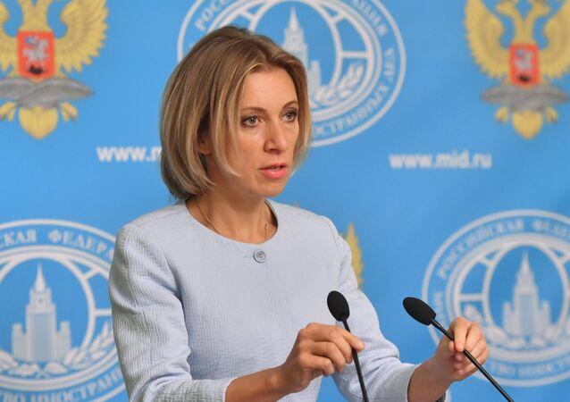 Representante oficial da chancelaria russa, Maria Zakharova, durante entrevista coletiva em Moscou (arquivo)