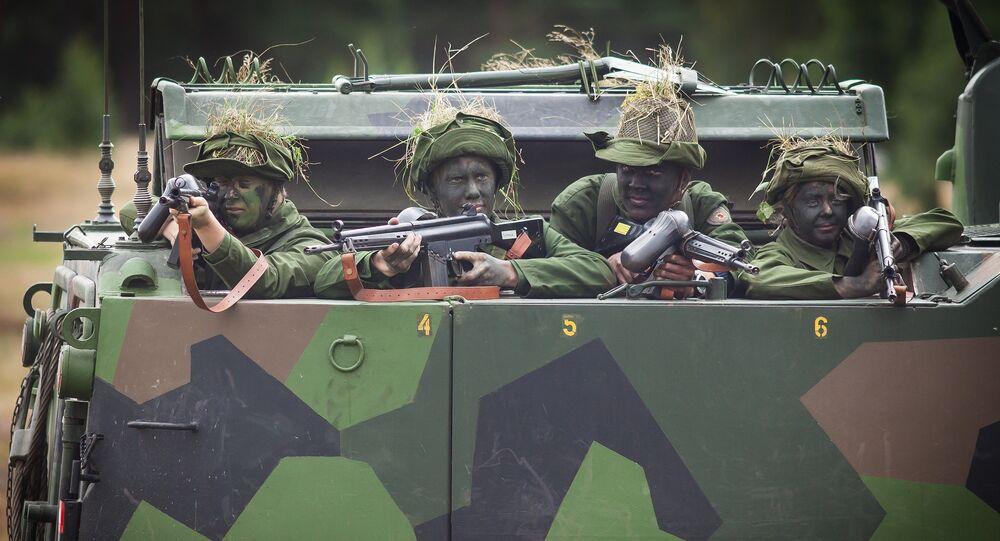 Soldados suecos durante treinamentos (foto de arquivo)