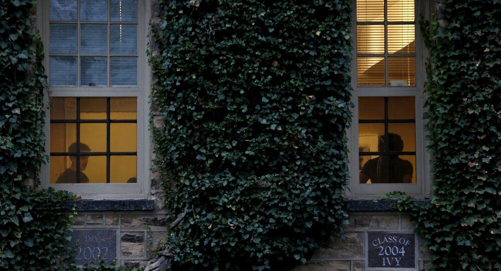 Estudantes participam de um evento na Universidade de Princeton em 18 de novembro de 2015