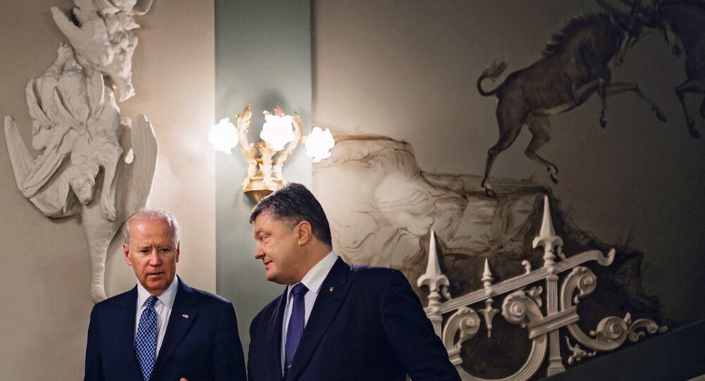 Presidente ucraniano Pyotr Poroshenko e vice-presidente dos EUA Joe Biden