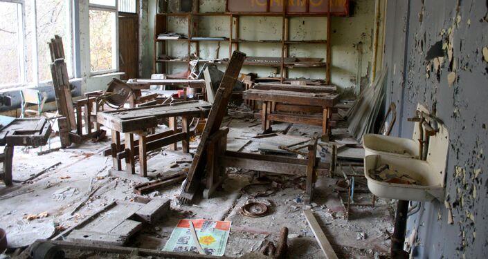 Sala de escola abandonada em Chernobyl