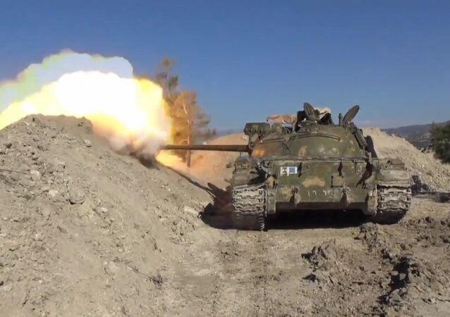 Exército sírio recomeça investida contra terroristas na província de Latakia