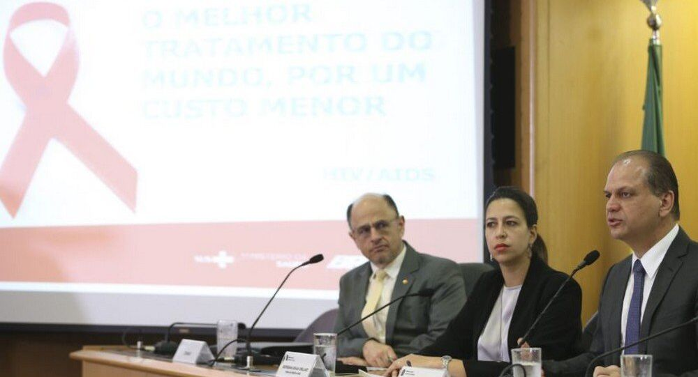 Ministro da Saúde, Ricardo Barros, anuncia novo medicamento para o tratamento contra o HIV