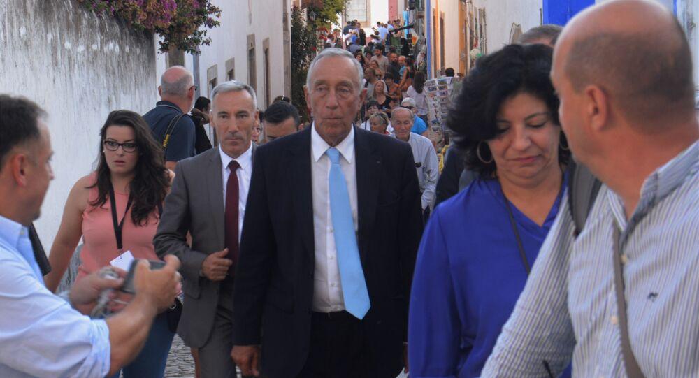 Marcelo Rebelo de Sousa durante visita ao Festival Literário de Óbidos