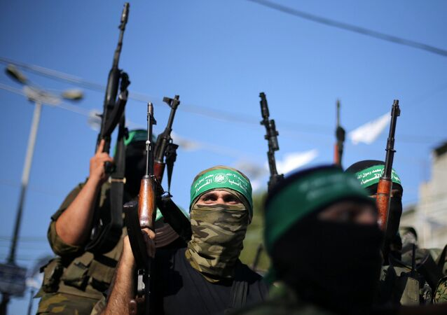 Militantes do barço armado do Hamas